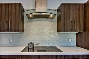 Glass Kitchen Backsplashes by Lovely Glass Backsplash For Kitchen The Important Design
