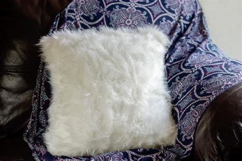 Diy Fur Pillow by Faux Fur Pillow How To Hgtv