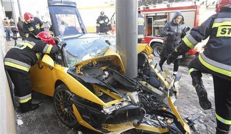 Italian Lamborghini Crash Car Crash Lamborghini Gallardo Lp560 4 Bicolore Destroyed