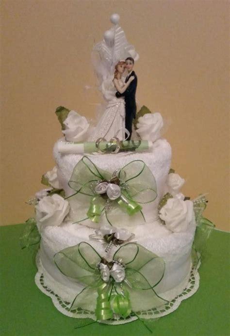 Hochzeitstorte Wei Gr N by Hochzeitstorte Aus Toilettenpapier Hochzeitstorte Aus
