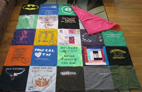 Make Quilt Out Of T Shirts by Diy Basic T Shirt Quilt Tutorial Part 1 Totally Stitchin