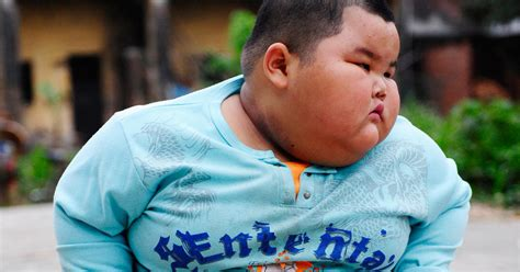 Chinese Baby Meme - world s heaviest toddler lu zhihao weighs 136 cbs news