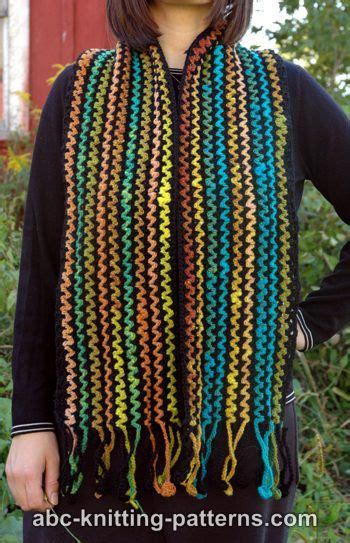 zig zag crochet shawl pattern crochet patterns galore zig zag scarf with crocheted fringe