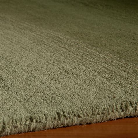 metropolitan rugs metropolitan ombre rug forest green 3 3 quot l x 5 3 quot w luxe rugs touch of modern