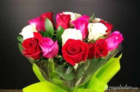 imagenes de flores rojas y blancas ramo de rosas rojas rosas y blancas en regalador com