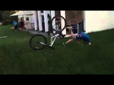 imagenes de niños que se caen ni 241 o se cae en bicicleta youtube