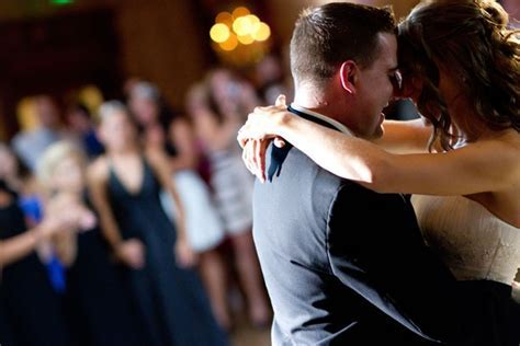 Best Wedding Slow Dance Songs   A Perfect Blend Entertainment