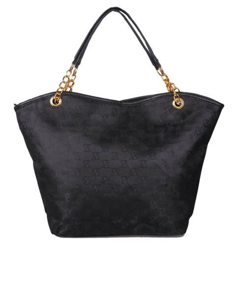 New Classic Handbag Black new classic fashion handbag with chain black