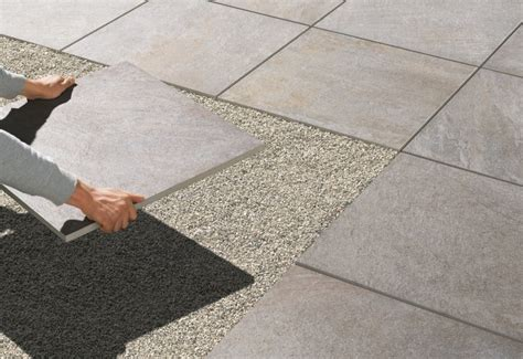 feinsteinzeug terrassenplatten in splitt verlegen feinsteinzeug platten elbau