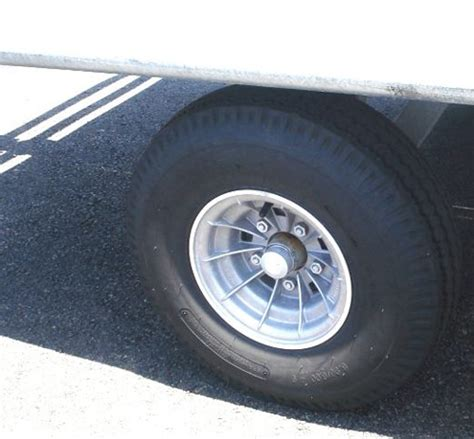 boat trailer undercarriage aircraft ground support equipment baggage barrows