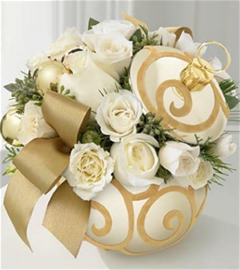 Season's Greetings Bouquet in gold with whit roses.PNG