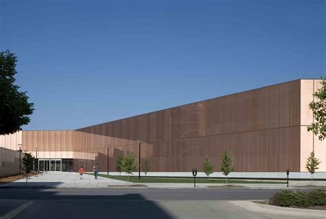 iowa library des moines library okatech facade iowa daylighting