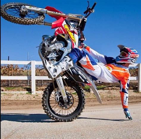 how to wheelie a motocross bike 17 best images about dirt bike wheelies on