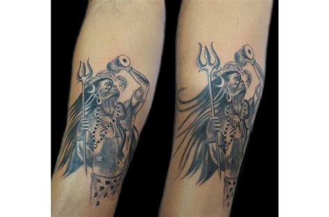 hourglass tattoo bay city 100 10 best tatoo artists in artists tell us