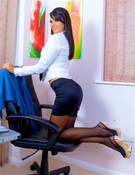 secretary bent over skirt tight skirts page bending over