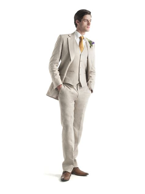 groom introducing  suit  fits guide