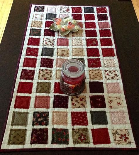 free pattern quilted table runner 10 free table runner quilt patterns you ll love