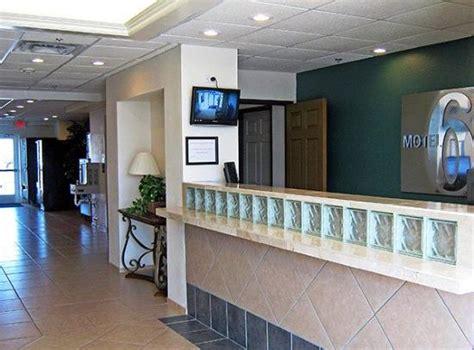 motel 6 front desk lobby area picture of motel 6 norman norman tripadvisor