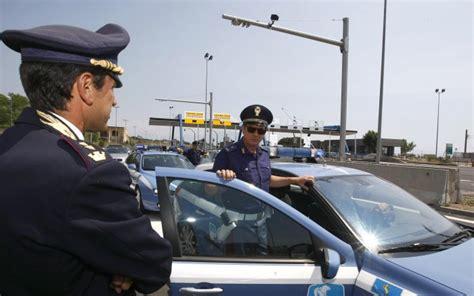 polizia stradale di brescia ufficio verbali notificate ad un pregiudicato 268 multe per intestazione