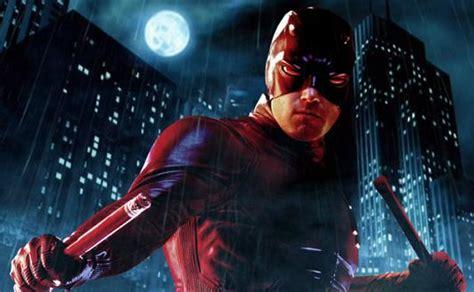 film marvel flash comic book movie tv news peek at flash s costume yearly