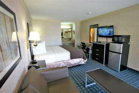 rooms deluxe inn fayetteville carolina nc hotels