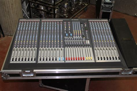 Mixer Allen Heath Gl 24 allen heath gl2800 24 image 700718 audiofanzine