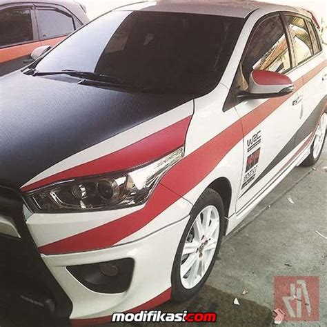 Kaca Lu Belakang Mobil Brio Baru Pasang Sticker Variasi Mobil Wrapping Striping Bandung