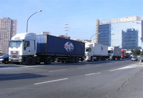 truck jam nc the escape abroad of road transport industry costs italy