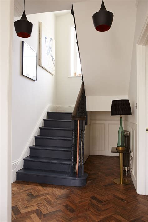 Papier Peint Montée D Escalier by Escalier Repeint Rockez Vos Escaliers Avec Du Papier