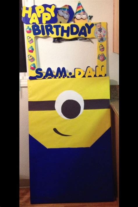 How To Make A Minion Out Of Construction Paper - minion photo booth made with dollar store items wrapping