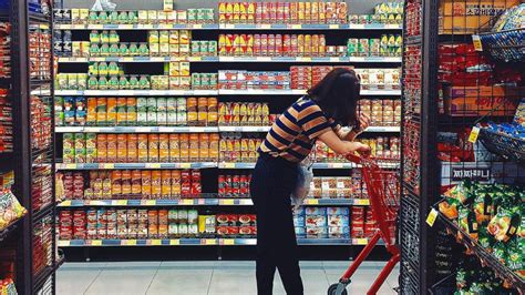 dual channel shopping  smart food hall south korea