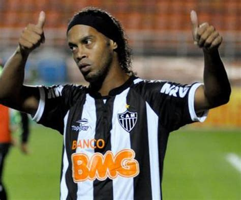 best of ronaldinho the best of ronaldinho in brazil footyblog net