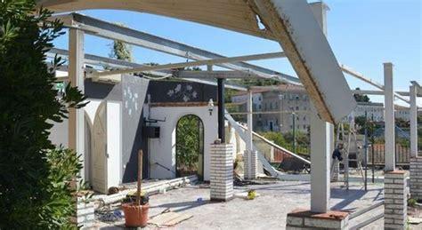 veranda abusiva ancona bar duomo abbattuta le veranda abusiva al suo