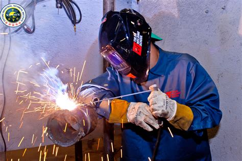 what does a welder do oxford iti
