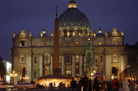 o christmas tree in italian season events and traditions in italy