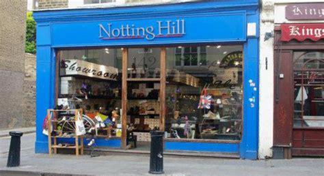 panchina di notting hill boom di fidanzamenti a londra nella libreria di notting