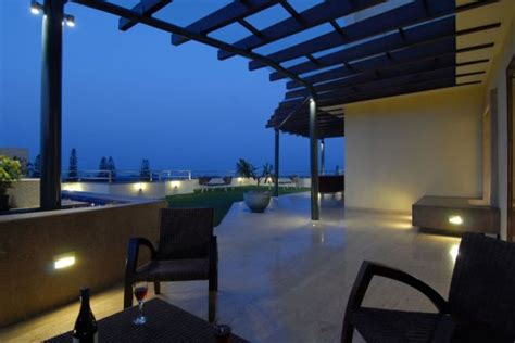 shaded  perfection elegant pergola designs   modern home