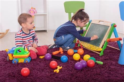 imagenes de niños jugando y estudiando ni 241 os jugando