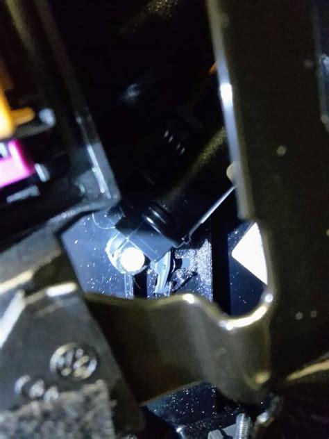 cassetto portaoggetti audi a4 pistoncino cassetto portaoggetti rotto b8 audinside