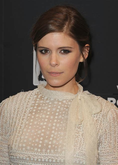 Minidress Pioner kate mara in valentino at the 2015 will rogers pioneer of