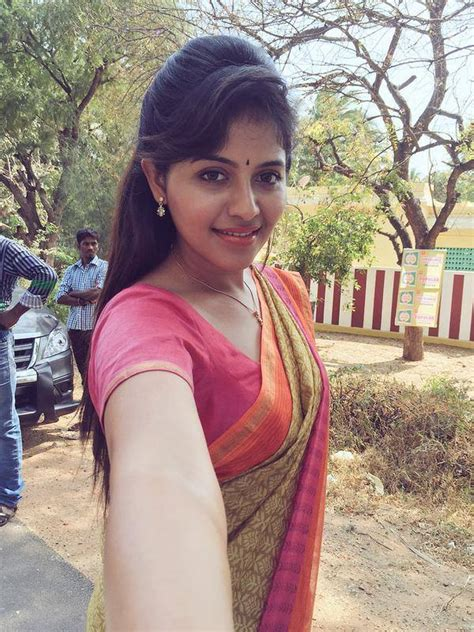 photos of heroine in saree looking very beautiful in saree photos of actress anjali