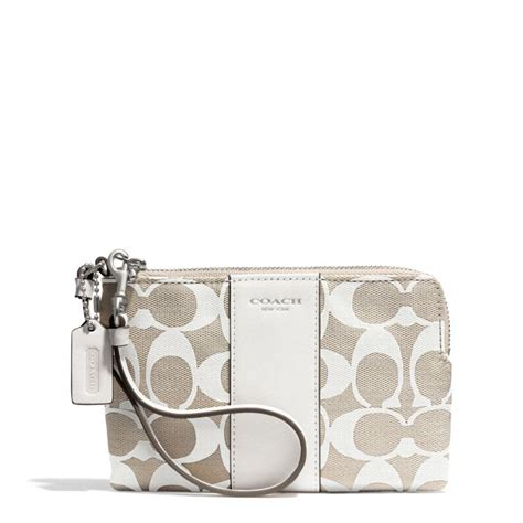 couch wristlet coach boxed legacy lzip small wristlet in printed