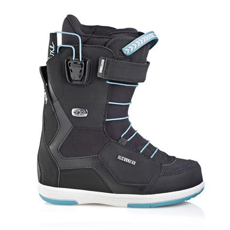 deeluxe id 6 2 lara pf womens snowboard boot in black