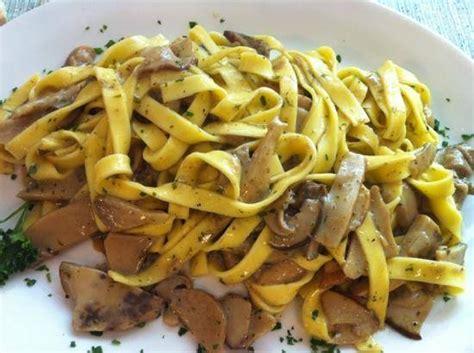 come cucinare le tagliatelle ricetta come cucinare tagliatelle ai funghi porcini la