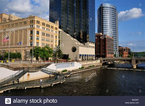 walk in haircuts grand rapids part of grand rapids riverwalk the amway grand plaza hotel