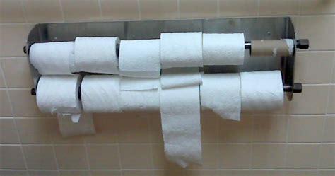 How To Make A Ton With Toilet Paper - 12 surprising customs from around the world