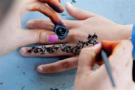 henna tattoos dangerous prestonians warned about dangers of black henna tattoos