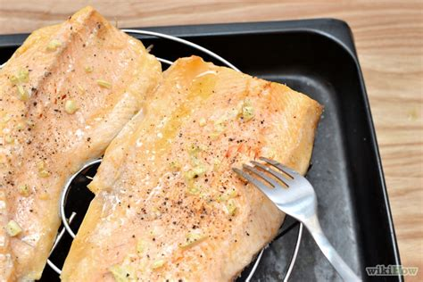 how to cook halibut with pictures wikihow