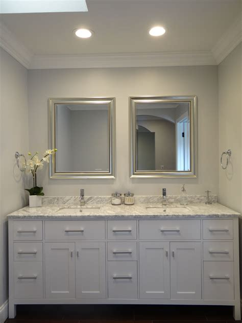 Bathroom Vanity Paint Colors by Master Bathroom Suite With Vanity And Sherwin