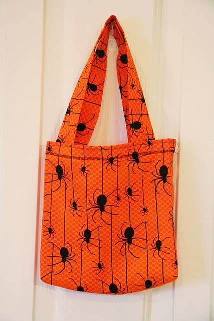 Wyldes Bag Of Tricks Treat Purse by 17 Best Images About Trick Or Treat Bag Tutorials On